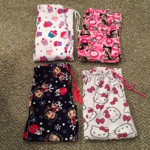 Assortment Of Gently Used Pajama Bottoms🌷